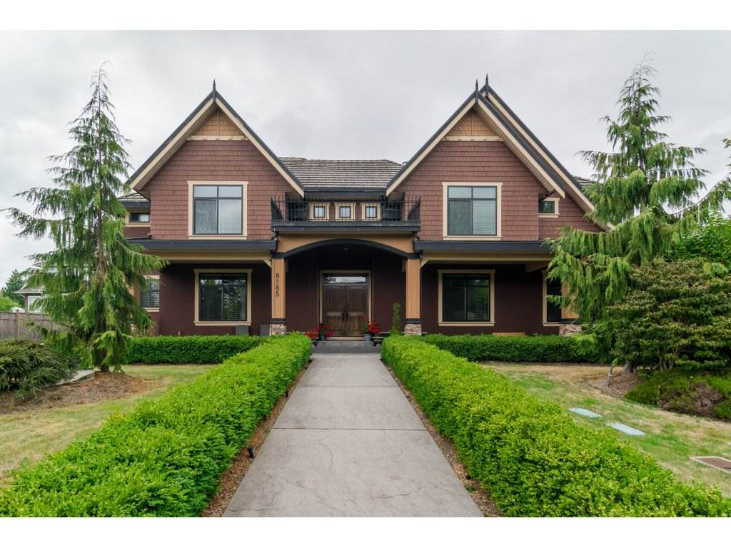 Photo 2: Photos: 8285 171A Street in Surrey: Fleetwood Tynehead House for sale : MLS® # R2235458