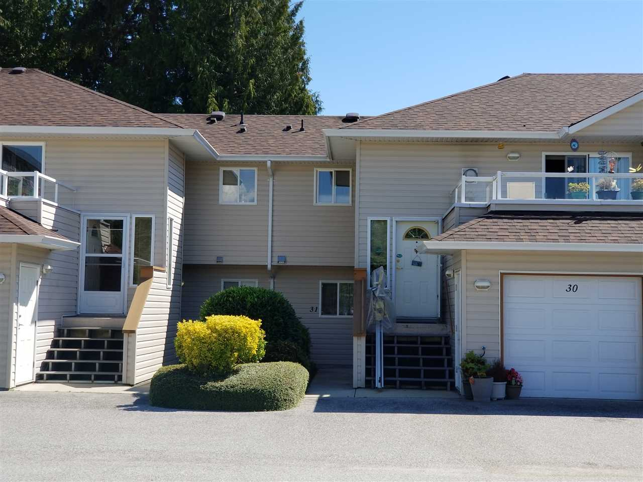 Main Photo: 31 5610 TRAIL Avenue in Sechelt: Sechelt District Townhouse for sale (Sunshine Coast)  : MLS®# R2290718