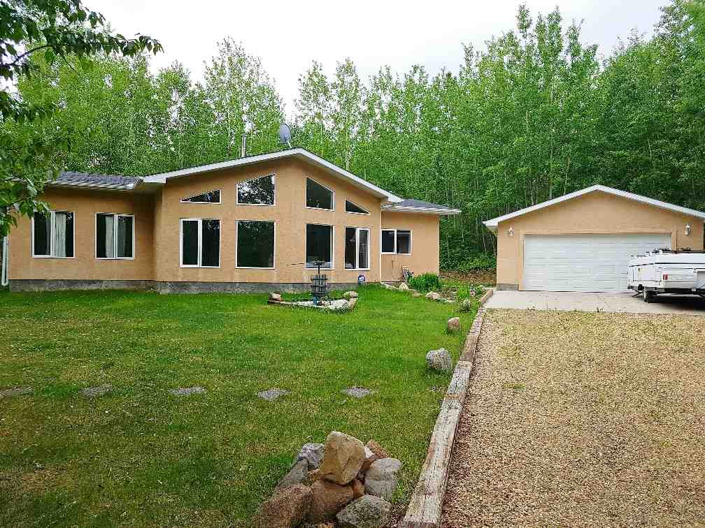 FEATURED LISTING: 2 Crystal Key Drive Rural Wetaskiwin County