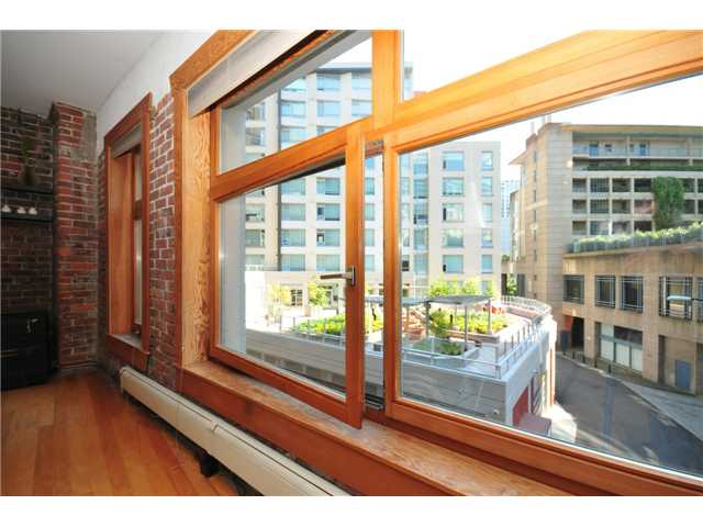 "Photo 4: 206 518 BEATTY Street in Vancouver: Downtown VW Condo for sale in ""STUDIO 518 BEATTY"" (Vancouver West)  : MLS® # V909575"