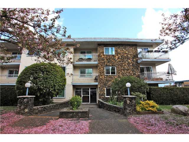 Main Photo: 209 711 E 6TH Avenue in Vancouver: Mount Pleasant VE Condo for sale (Vancouver East)  : MLS® # V1004453