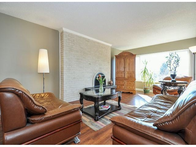 Photo 2: 945 DELESTRE Avenue in Coquitlam: Maillardville House 1/2 Duplex for sale : MLS® # V1050049