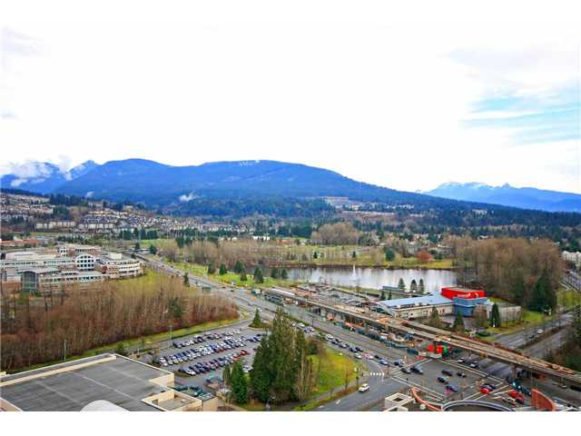 "Main Photo: 2705 2982 BURLINGTON Drive in Coquitlam: North Coquitlam Condo for sale in ""EDGEMONT"" : MLS®# V1101212"
