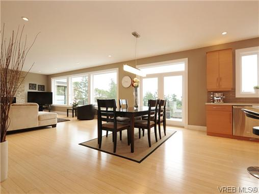 Photo 5: 2147 Blue Grouse Plateau in VICTORIA: La Bear Mountain Single Family Detached for sale (Langford)  : MLS(r) # 346075