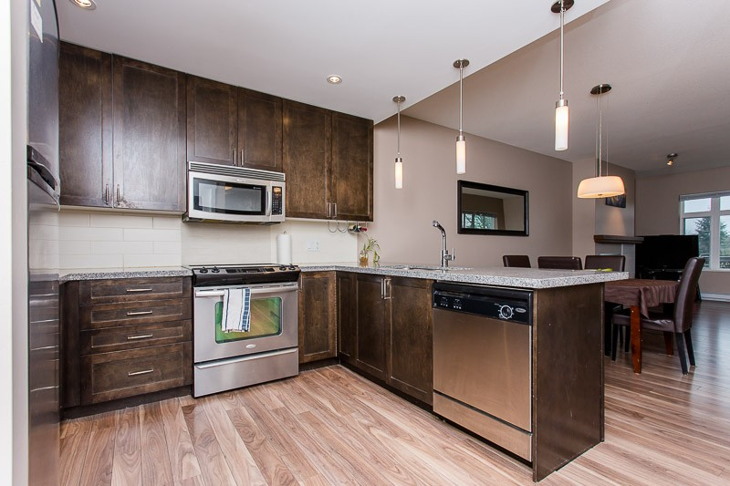 "Photo 2: 403 2368 MARPOLE Avenue in Port Coquitlam: Central Pt Coquitlam Condo for sale in ""RIVER ROCK LANDING"" : MLS(r) # V1125323"