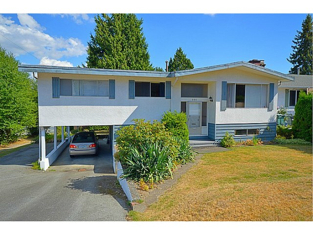 "Main Photo: 898 GLENCOE Drive in Port Moody: Glenayre House for sale in ""GLENAYRE"" : MLS®# V1136550"
