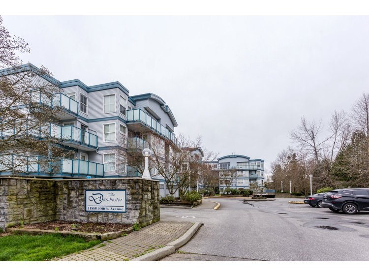 "Main Photo: 311 14885 100 Avenue in Surrey: Guildford Condo for sale in ""THE DORCHESTER"" (North Surrey)  : MLS® # R2042537"