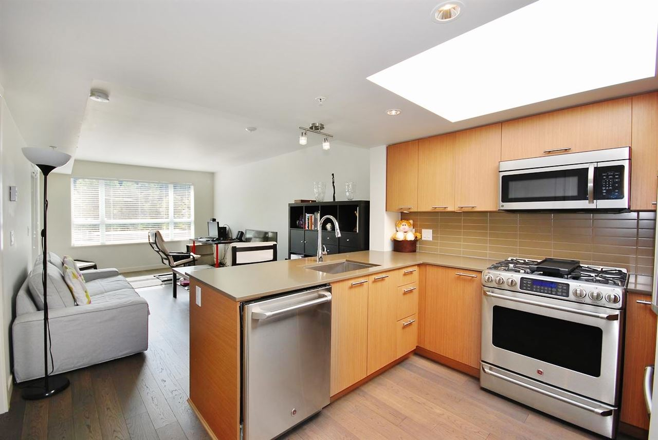 "Main Photo: 605 95 MOODY Street in Port Moody: Port Moody Centre Condo for sale in ""THE STATION"" : MLS®# R2044618"