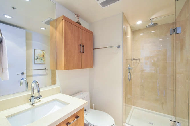 "Photo 12: : White Rock Condo for sale in ""The ""Avra"""" (South Surrey White Rock)  : MLS(r) # R2064755"