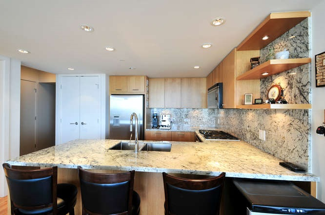 "Photo 4: : White Rock Condo for sale in ""The ""Avra"""" (South Surrey White Rock)  : MLS(r) # R2064755"