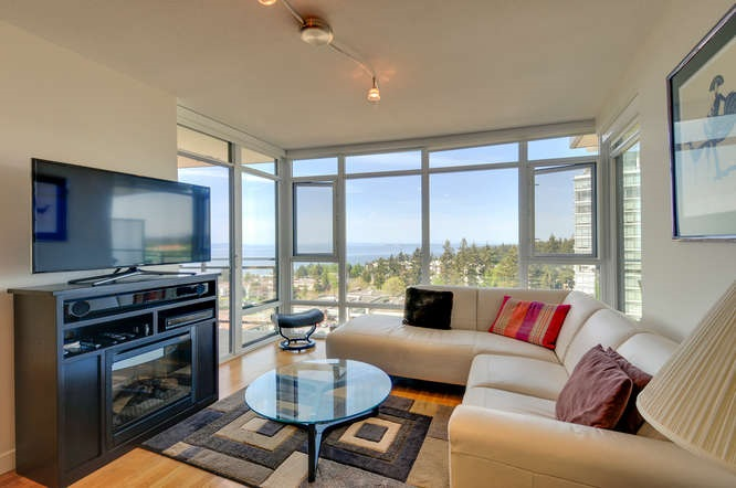 "Photo 2: : White Rock Condo for sale in ""The ""Avra"""" (South Surrey White Rock)  : MLS(r) # R2064755"