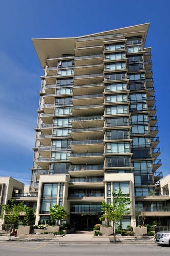 "Main Photo: : White Rock Condo for sale in ""The ""Avra"""" (South Surrey White Rock)  : MLS(r) # R2064755"