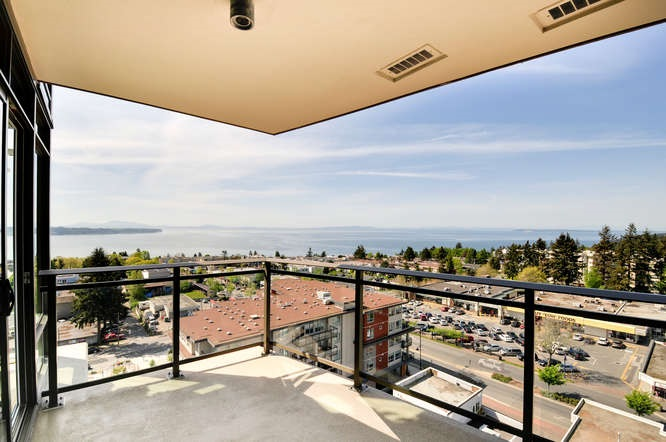 "Photo 13: : White Rock Condo for sale in ""The ""Avra"""" (South Surrey White Rock)  : MLS(r) # R2064755"