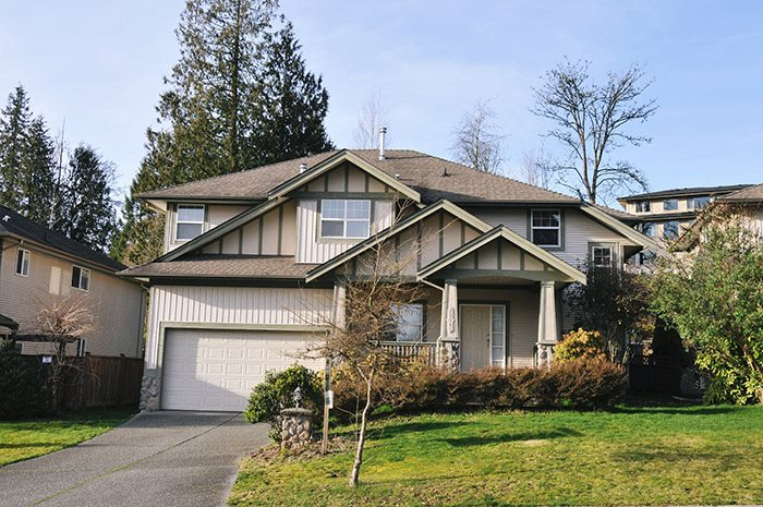 "Main Photo: 22761 HOLYROOD Avenue in Maple Ridge: East Central House for sale in ""GREYSTONE"" : MLS® # R2073510"