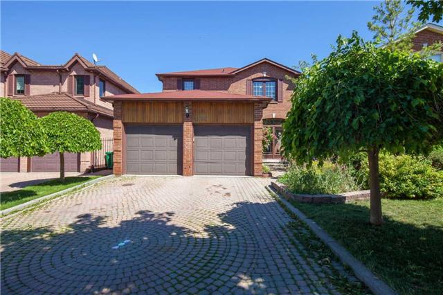 Main Photo: 4550 Whitelodge Crest in Mississauga: Hurontario House (2-Storey) for sale : MLS(r) # W3525761