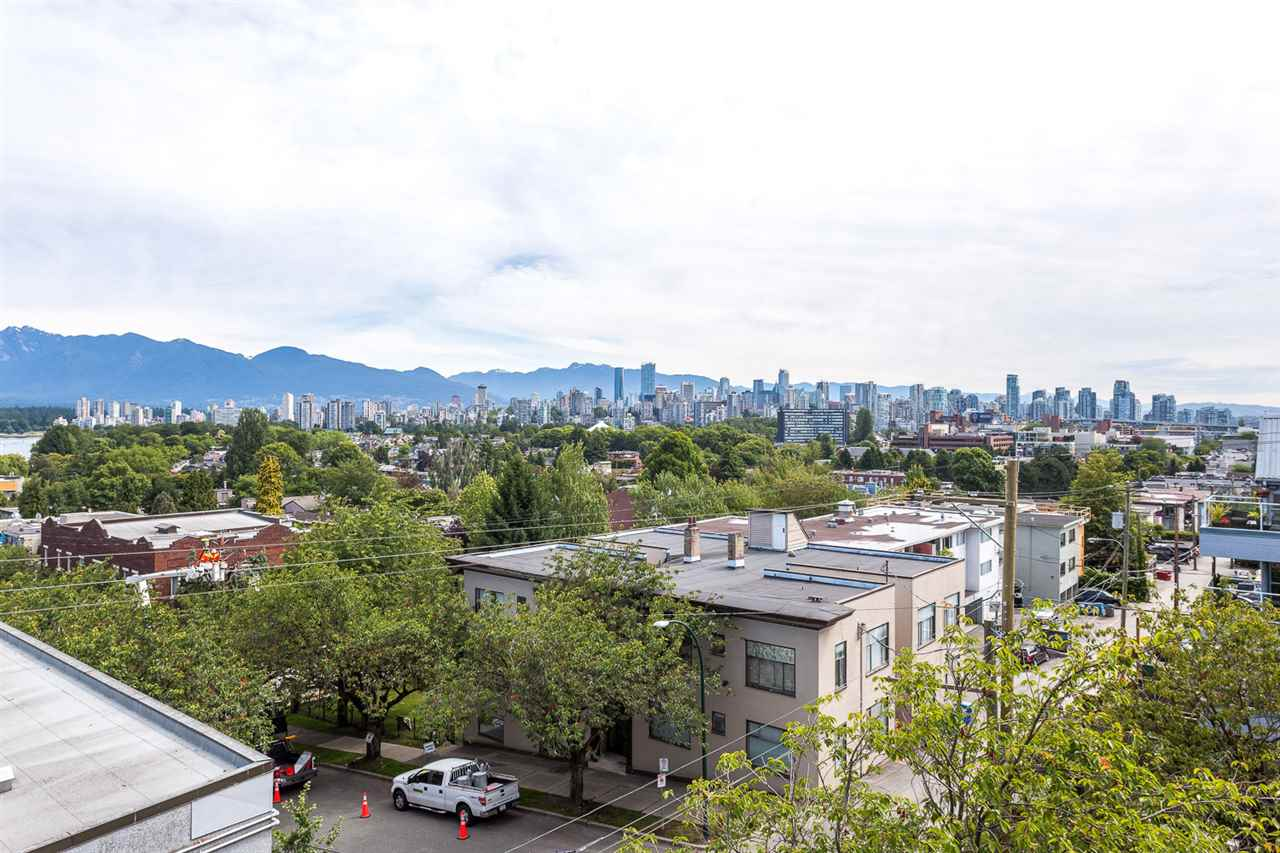 "Photo 13: 303 2211 W 2ND Avenue in Vancouver: Kitsilano Condo for sale in ""KITSILANO TERRACE"" (Vancouver West)  : MLS(r) # R2099192"