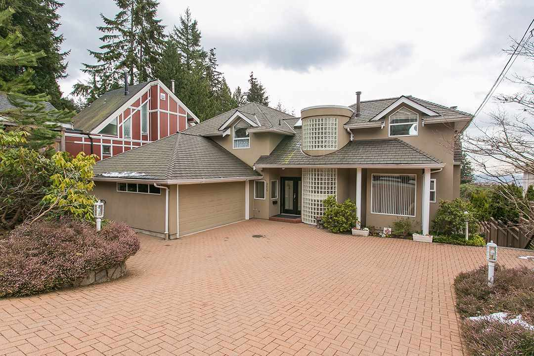 "Main Photo: 305 BEAVER Road in North Vancouver: Upper Delbrook House for sale in ""Uppe Delbrook"" : MLS(r) # R2136868"