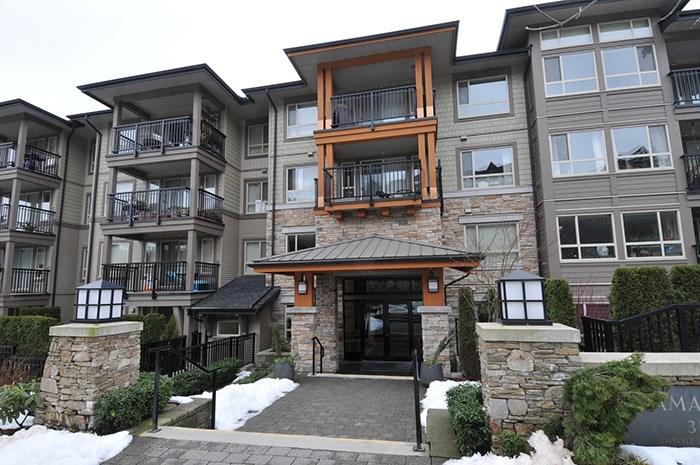 "Main Photo: 303 3178 DAYANEE SPRINGS Boulevard in Coquitlam: Westwood Plateau Condo for sale in ""TAMARACK"" : MLS(r) # R2139006"