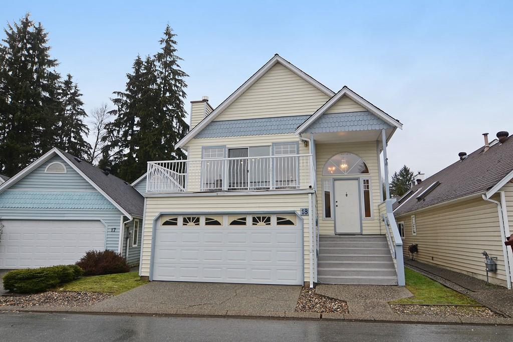 "Main Photo: 18 2865 GLEN Drive in Coquitlam: Eagle Ridge CQ House for sale in ""BOSTON MEADOWS"" : MLS(r) # R2146154"