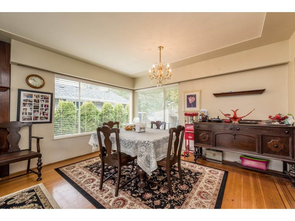 "Photo 6: 1125 BARTLETT Avenue in Coquitlam: Harbour Chines House for sale in ""HARBOUR CHINES"" : MLS(r) # R2157498"