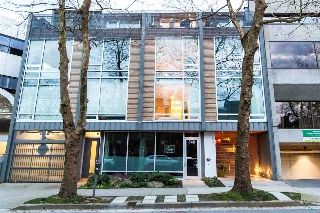 "Main Photo: 2 850 W 8TH Avenue in Vancouver: Fairview VW Townhouse for sale in ""KOI"" (Vancouver West)  : MLS(r) # R2158662"