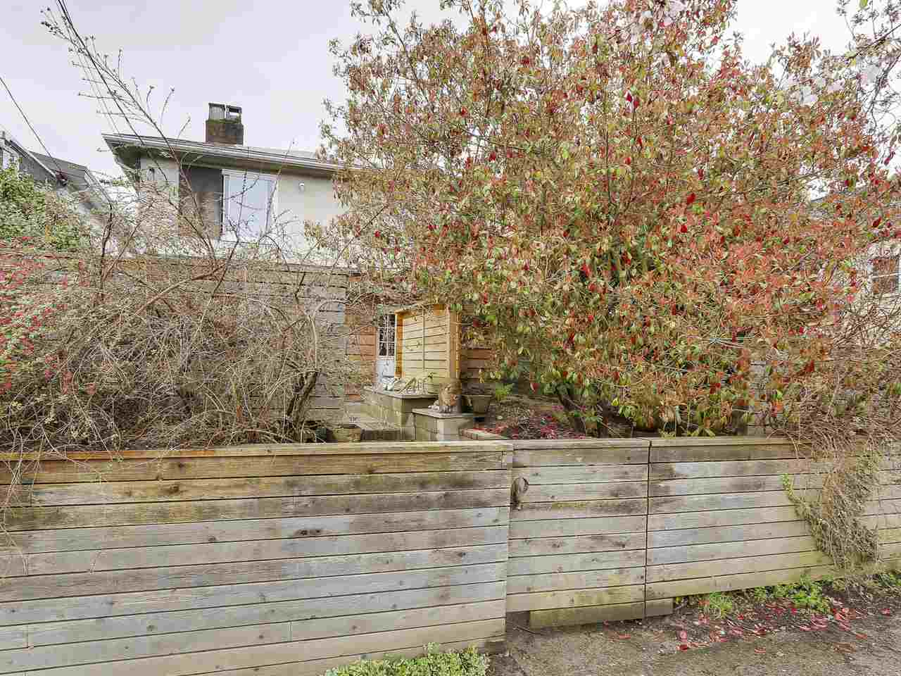 Main Photo: 462 E 28TH AVENUE in Vancouver: Fraser VE House for sale (Vancouver East)  : MLS® # R2158370