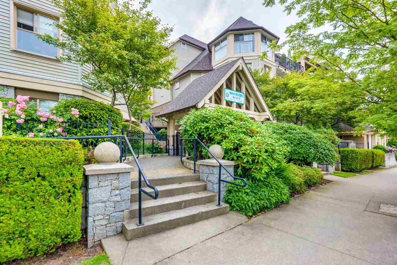 "Main Photo: 103 211 TWELFTH Street in New Westminster: Uptown NW Condo for sale in ""Discovery Reach"" : MLS(r) # R2179195"