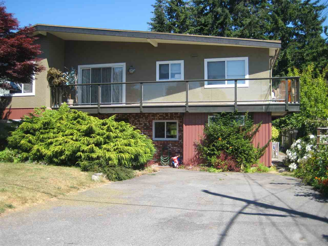 Main Photo: 1072 HABGOOD Street: White Rock House for sale (South Surrey White Rock)  : MLS® # R2188473