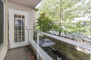 Main Photo: 208 1009 HOWAY Street in New Westminster: Uptown NW Condo for sale : MLS® # R2206892