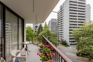 Main Photo: 606 4165 MAYWOOD Street in Burnaby: Metrotown Condo for sale (Burnaby South)  : MLS® # R2207609
