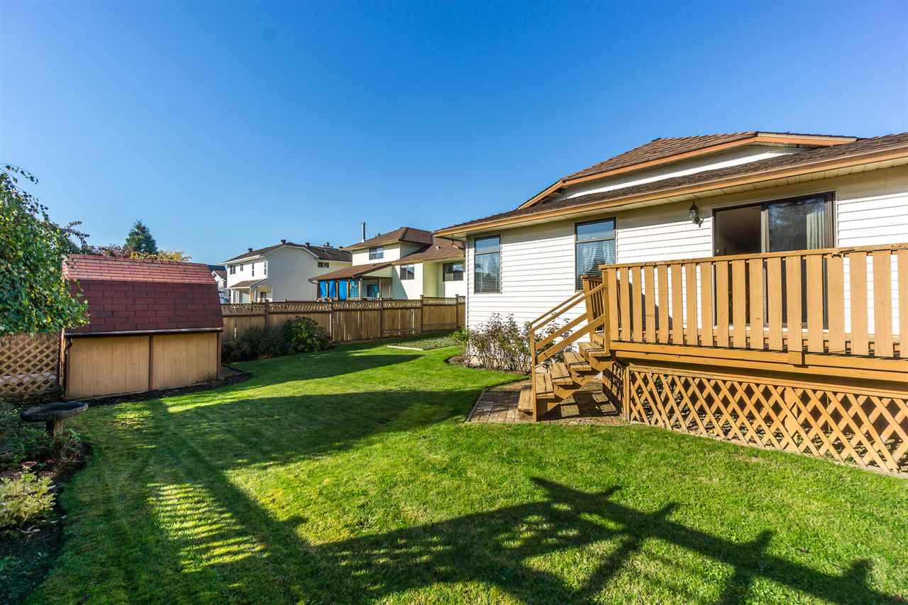 "Photo 18: Photos: 15304 85A Avenue in Surrey: Fleetwood Tynehead House for sale in ""Fleetwood"" : MLS® # R2217891"