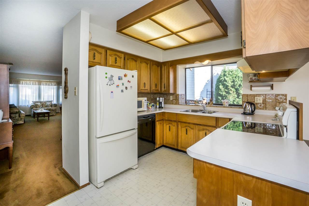 "Photo 8: Photos: 15304 85A Avenue in Surrey: Fleetwood Tynehead House for sale in ""Fleetwood"" : MLS® # R2217891"