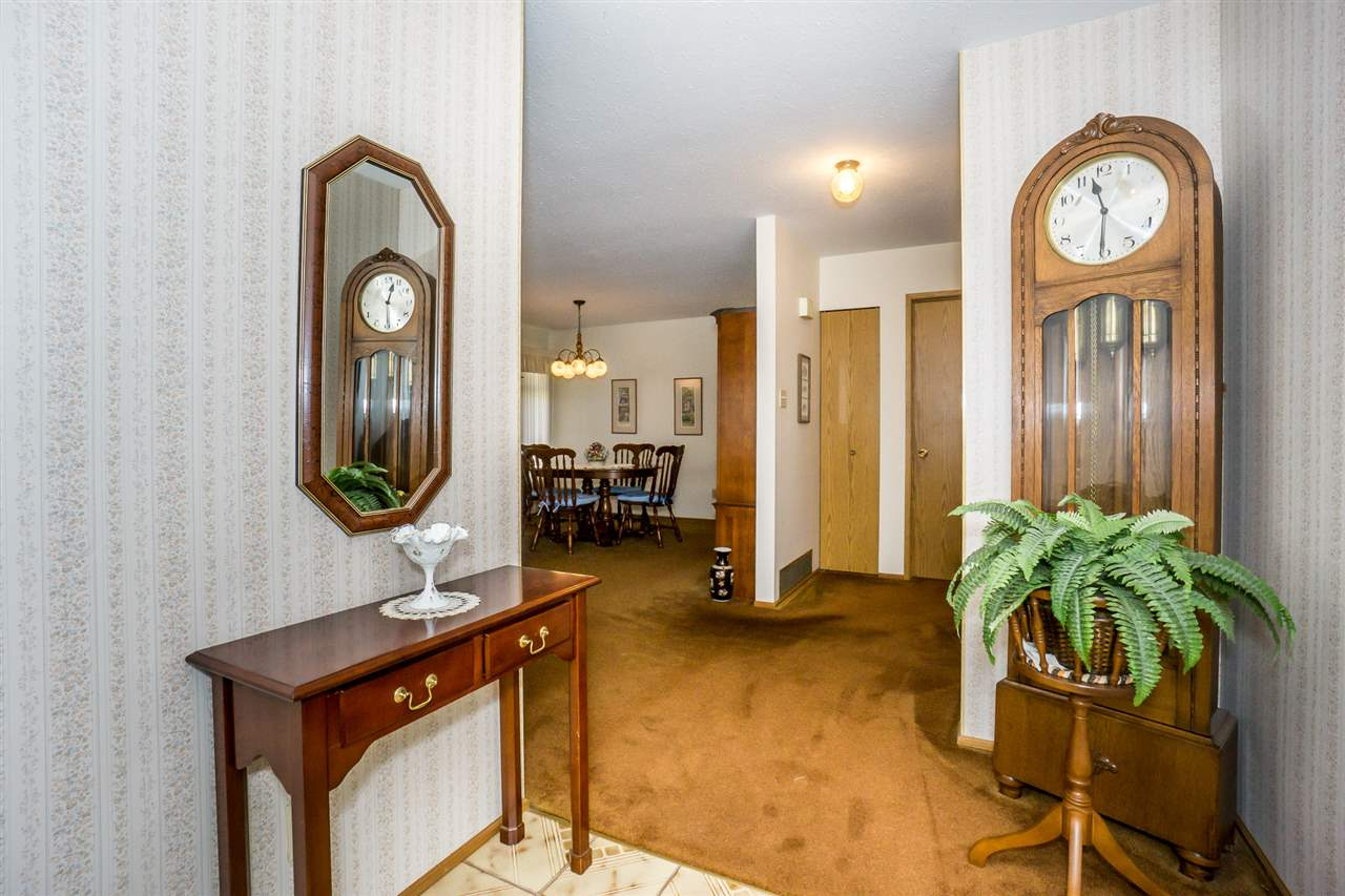 "Photo 2: Photos: 15304 85A Avenue in Surrey: Fleetwood Tynehead House for sale in ""Fleetwood"" : MLS® # R2217891"