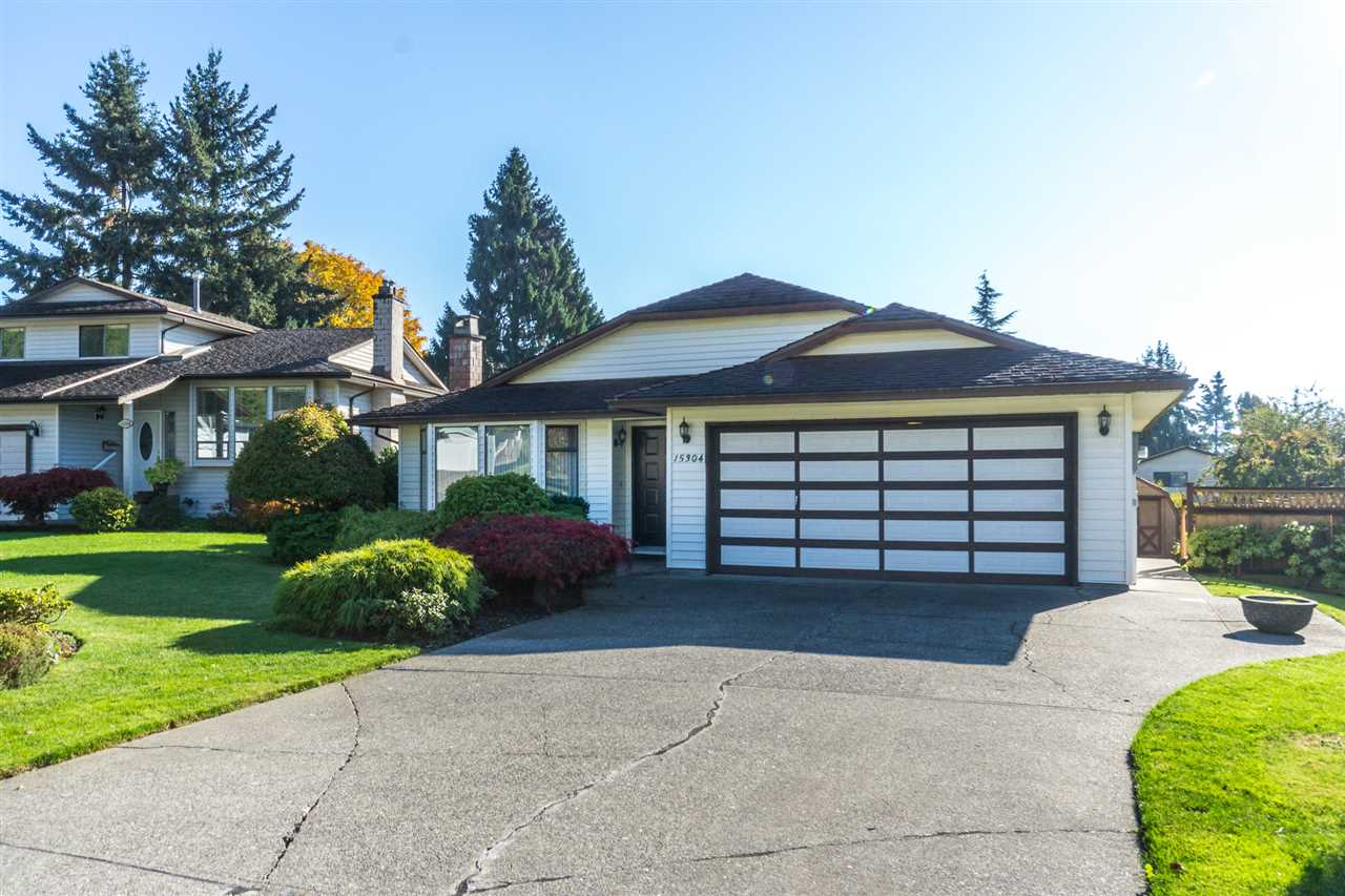 "Photo 1: Photos: 15304 85A Avenue in Surrey: Fleetwood Tynehead House for sale in ""Fleetwood"" : MLS® # R2217891"