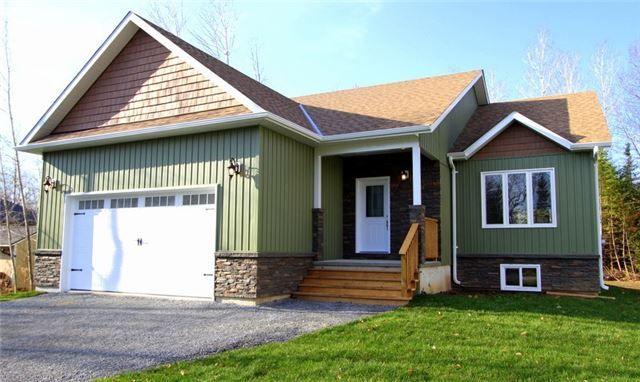 Main Photo: 25 Pinewood Boulevard in Kawartha Lakes: Rural Eldon House (Bungalow-Raised) for sale : MLS® # X3998293