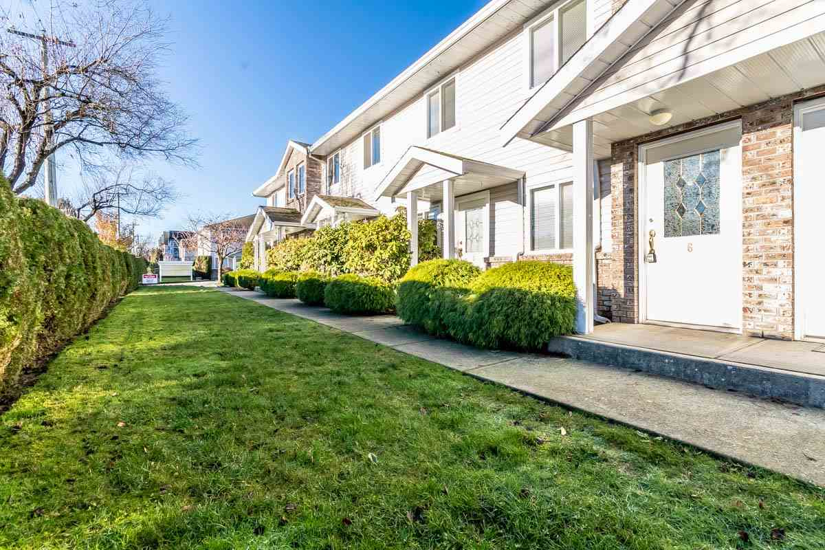 "Main Photo: 6 46735 YALE Road in Chilliwack: Chilliwack E Young-Yale Townhouse for sale in ""HERITAGE LANE"" : MLS® # R2226862"