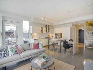 "Main Photo: 306 133 E 8TH Avenue in Vancouver: Mount Pleasant VE Condo for sale in ""Collection 45"" (Vancouver East)  : MLS® # R2252915"