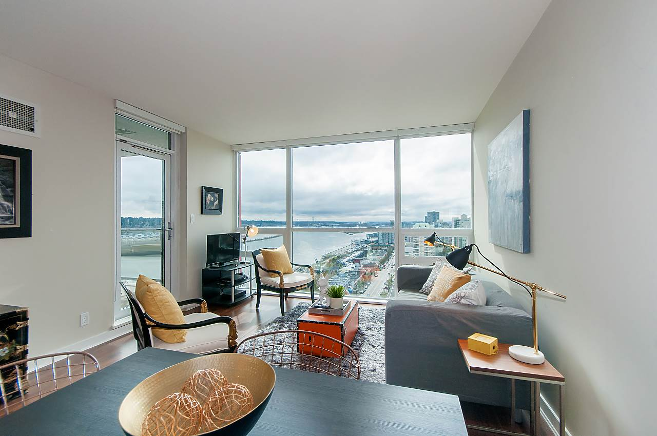 "Main Photo: 1905 125 COLUMBIA Street in New Westminster: Downtown NW Condo for sale in ""NORTHBANK"" : MLS®# R2255130"