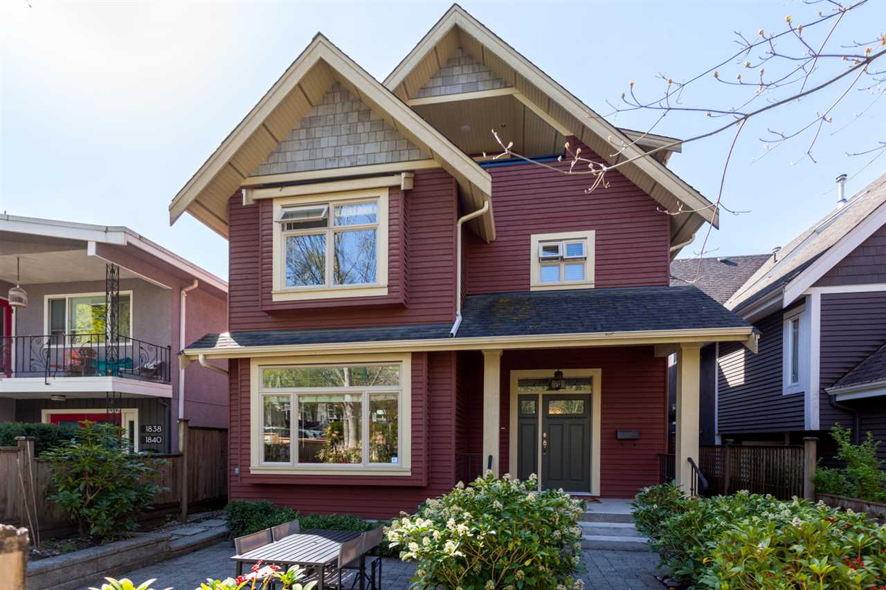"Main Photo: 1834 E 6TH Avenue in Vancouver: Grandview VE House 1/2 Duplex for sale in ""COMMERCIAL DRIVE"" (Vancouver East)  : MLS®# R2260819"