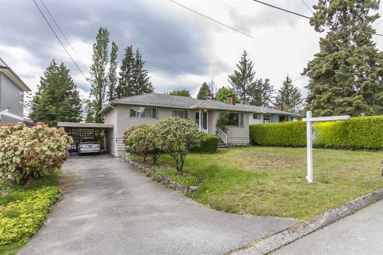 Main Photo: 698 DANVILLE Court in Coquitlam: Central Coquitlam House for sale : MLS®# R2268051