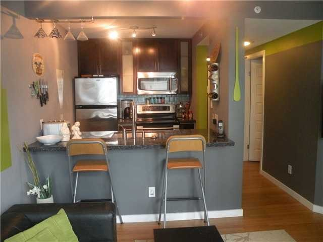 "Photo 3: 706 438 SEYMOUR Street in Vancouver: Downtown VW Condo for sale in ""CONFERENCE PLAZA"" (Vancouver West)  : MLS® # V1046491"