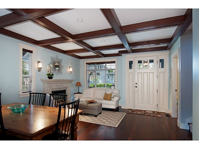 Photo 2: 3559 DUNDAS Street in Vancouver: Hastings East House for sale (Vancouver East)  : MLS(r) # V1067924