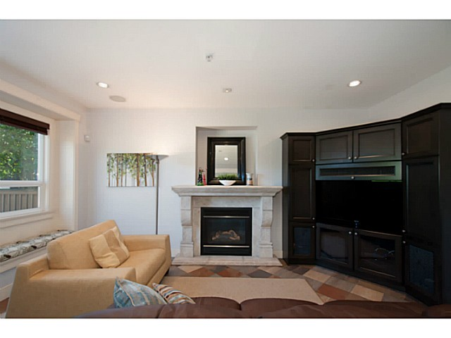 Photo 9: 3559 DUNDAS Street in Vancouver: Hastings East House for sale (Vancouver East)  : MLS(r) # V1067924