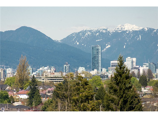 "Main Photo: 2911 W KING EDWARD Avenue in Vancouver: Arbutus House for sale in ""Arbutus Ridge"" (Vancouver West)  : MLS® # V1103648"