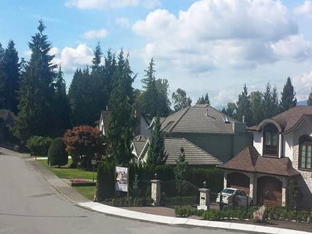 Main Photo: 6198 GORDON Place in Burnaby: Buckingham Heights Home for sale (Burnaby South)  : MLS(r) # V1143445