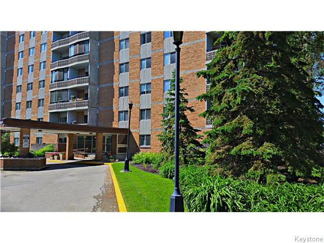 Main Photo: 230 Roslyn Road in WINNIPEG: River Heights / Tuxedo / Linden Woods Condominium for sale (South Winnipeg)  : MLS® # 1603162