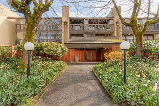 "Main Photo: 104 720 EIGHTH Avenue in New Westminster: Uptown NW Condo for sale in ""SAN SEBASTIAN"" : MLS(r) # R2048672"