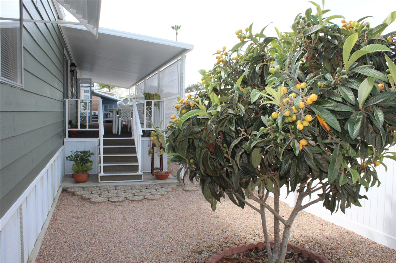 Photo 4: CARLSBAD SOUTH Manufactured Home for sale : 2 bedrooms : 7232 San Bartolo #207 in Carlsbad