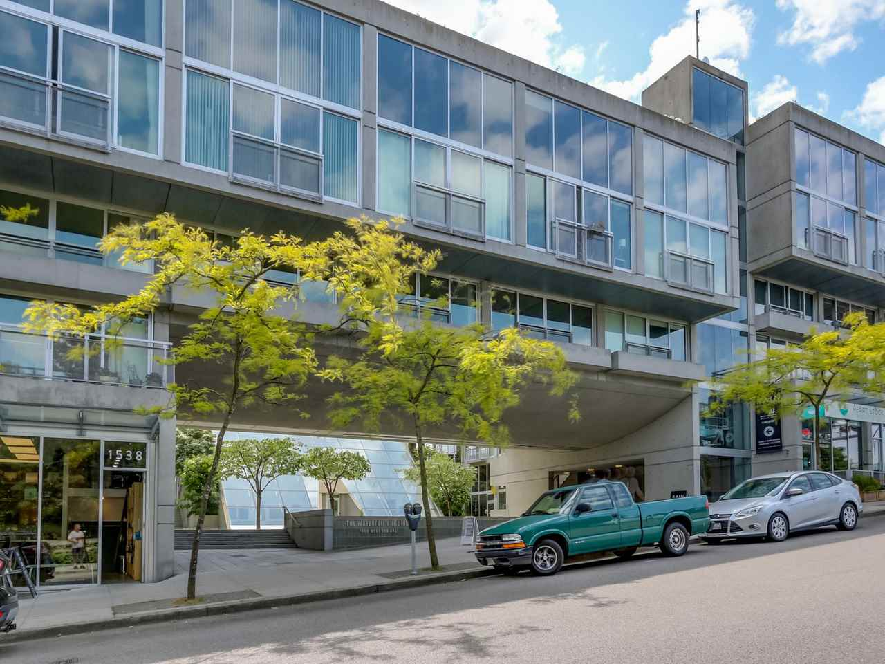 "Main Photo: 302 1540 W 2ND Avenue in Vancouver: False Creek Condo for sale in ""WATERFALL BUILDING BY ARTHER ERICKSON"" (Vancouver West)  : MLS®# R2072894"