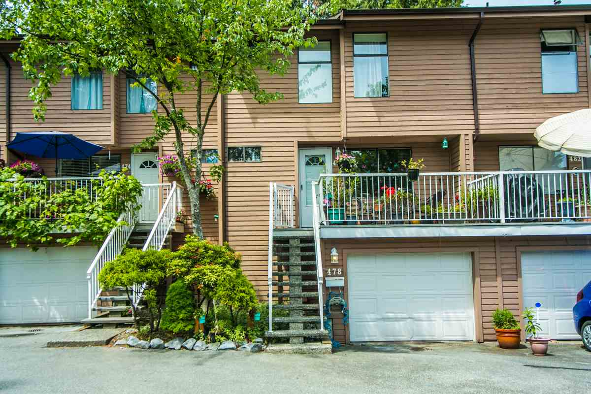 "Main Photo: 478 CARLSEN Place in Port Moody: North Shore Pt Moody Townhouse for sale in ""EAGLE POINT"" : MLS®# R2075019"